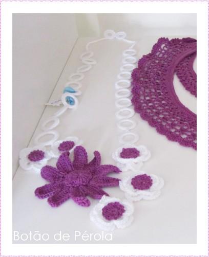 Colar de crochet roxo
